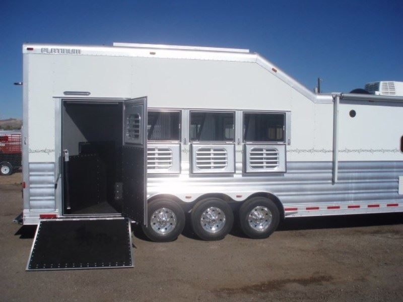 2016 Platinum 4 Horse 16 6 Quot S W With Slide Amp Side Load