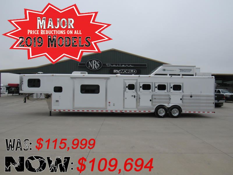 2019 Twister Trailer 4 horse side load 15' living quarters trailer with
