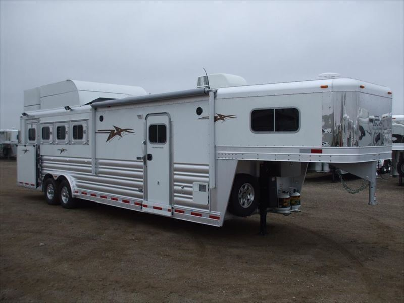 2019 Platinum Coach outlaw 4 horse side load 10'4