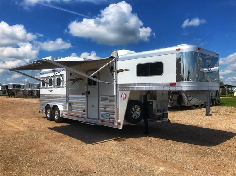 2019 Platinum Coach outlaw 3hgn w/ 8' sw outlaw generator