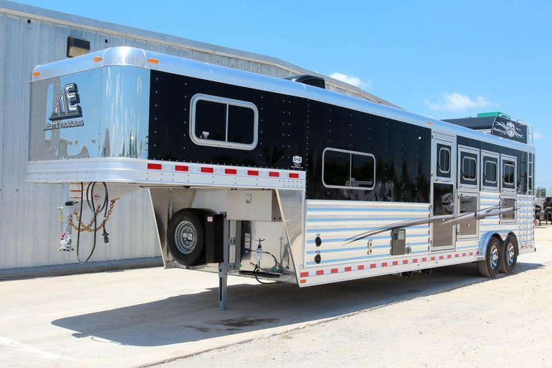 2019 Elite Trailers 4 Horse Living Quarters Trailer