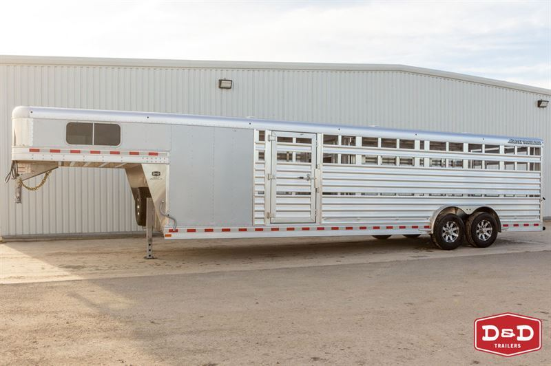 2021 Elite 28 ft show cattle combo with side ramp
